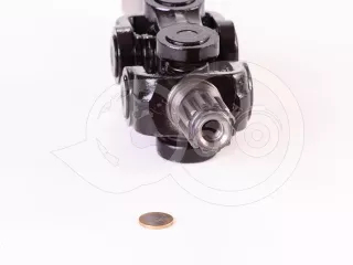 Belarus/MTZ driving front axle universal joint drive complete with a straight axle (1)